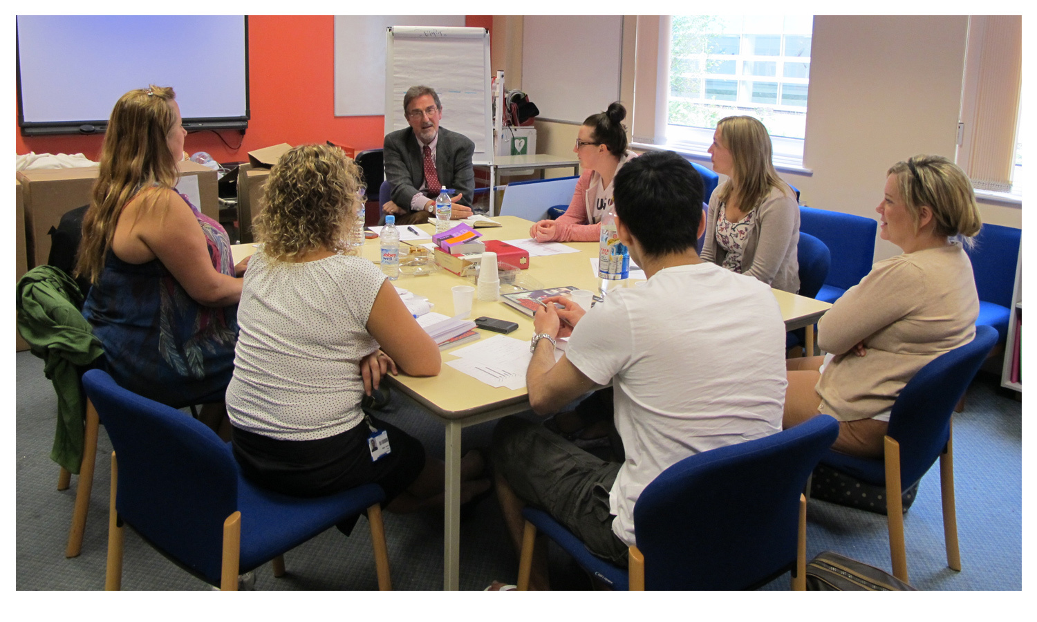 Support session held with a small group of A&E staff © Pearson Lloyd