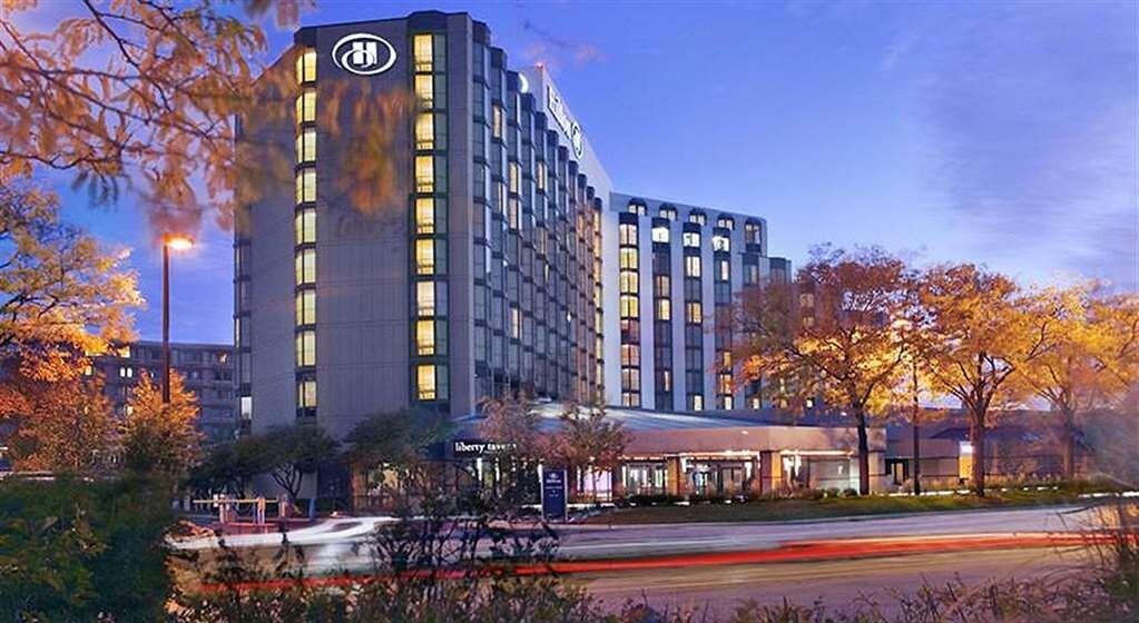 HiltonRosemont.jpg