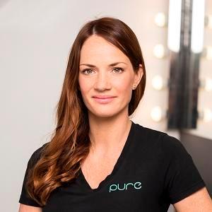 Maria  Mitt namn är Maria och jag blev färdig utbildad hudterapeut 2006. Jag startade PURE samma år och brinner fortfarande för den här salongen och vårt fantastiska yrke. Jag är även utbildad inom permanent make-up och Fibroblast.