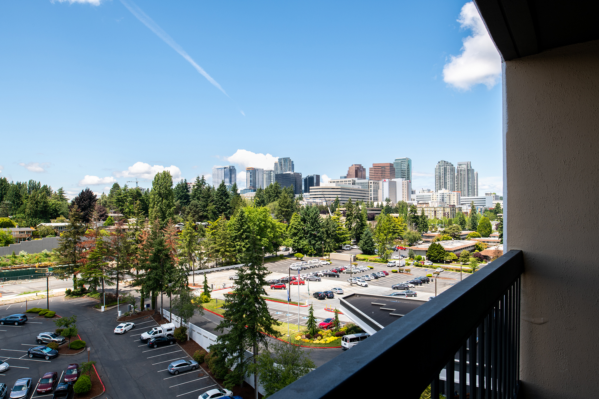 Hilton_Bellevue_LION_HF_Patio_View_1.jpg