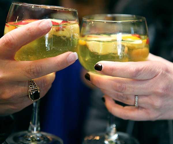 brasa-cheers.jpg
