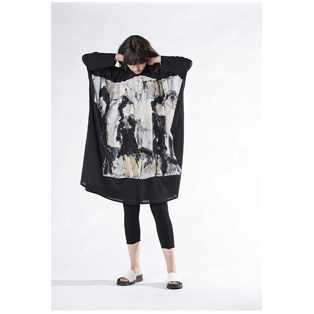 Annette Gortz   BINKA 28129-48 blouse #ss19 . . . . . @annette_goertz_official #annettegortz #fashiondesigner #designer #style #fashionblogger #outfitoftheday #ootd #ootdinspo #outfitinspiration #springsummer2019 #styleoftheday #lookoftheday #stylediaries #shoplocalhouston #houstonfashion #mixedmedia #painting #grunge #oversized #houston
