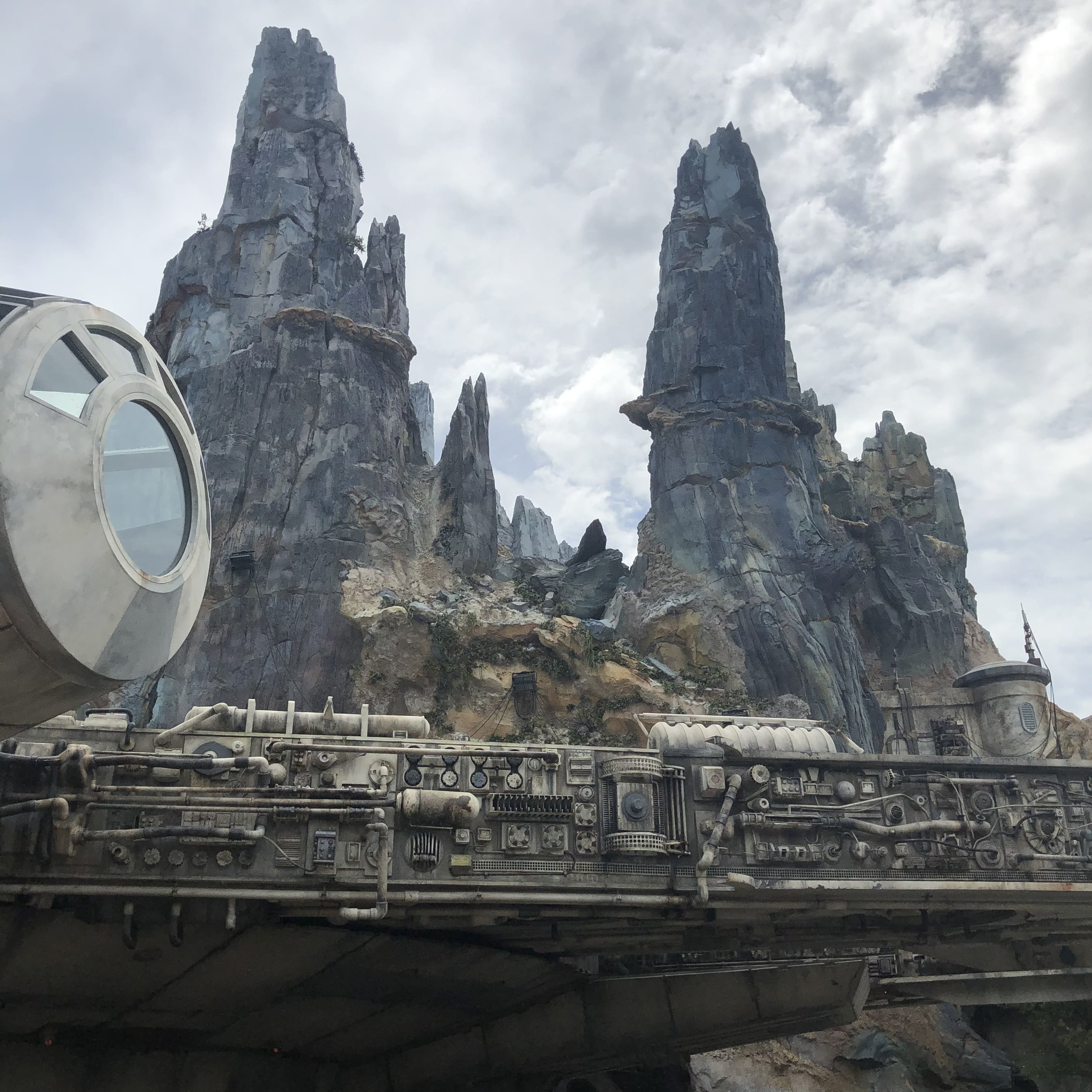 star-wars-galaxys-edge-disney-hollywood-studios