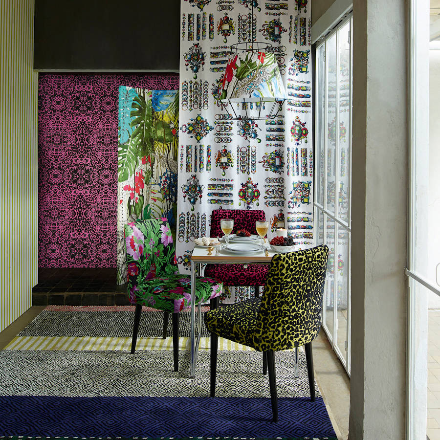 Santo sospir - Santo Sospir from Christian Lacroix is an expressive cut velvet graphic contemporary animal print. Stylish and versatile, the characteristically vivid colours from the world of Lacroix offer an authenticity that cant be copied.