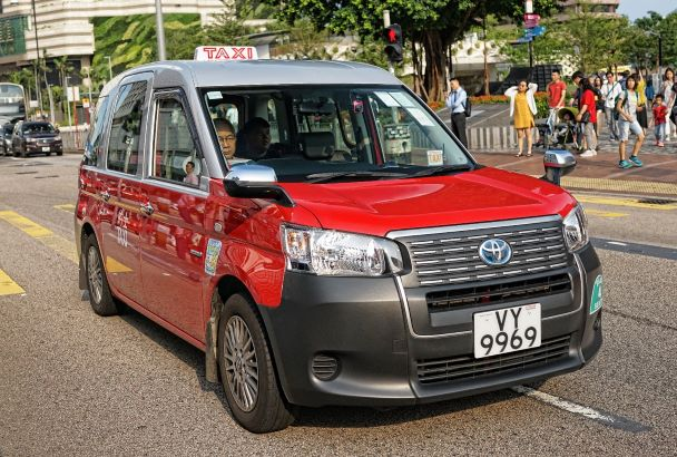 ctto Jamie of Jamie tours : The red hybrid taxi