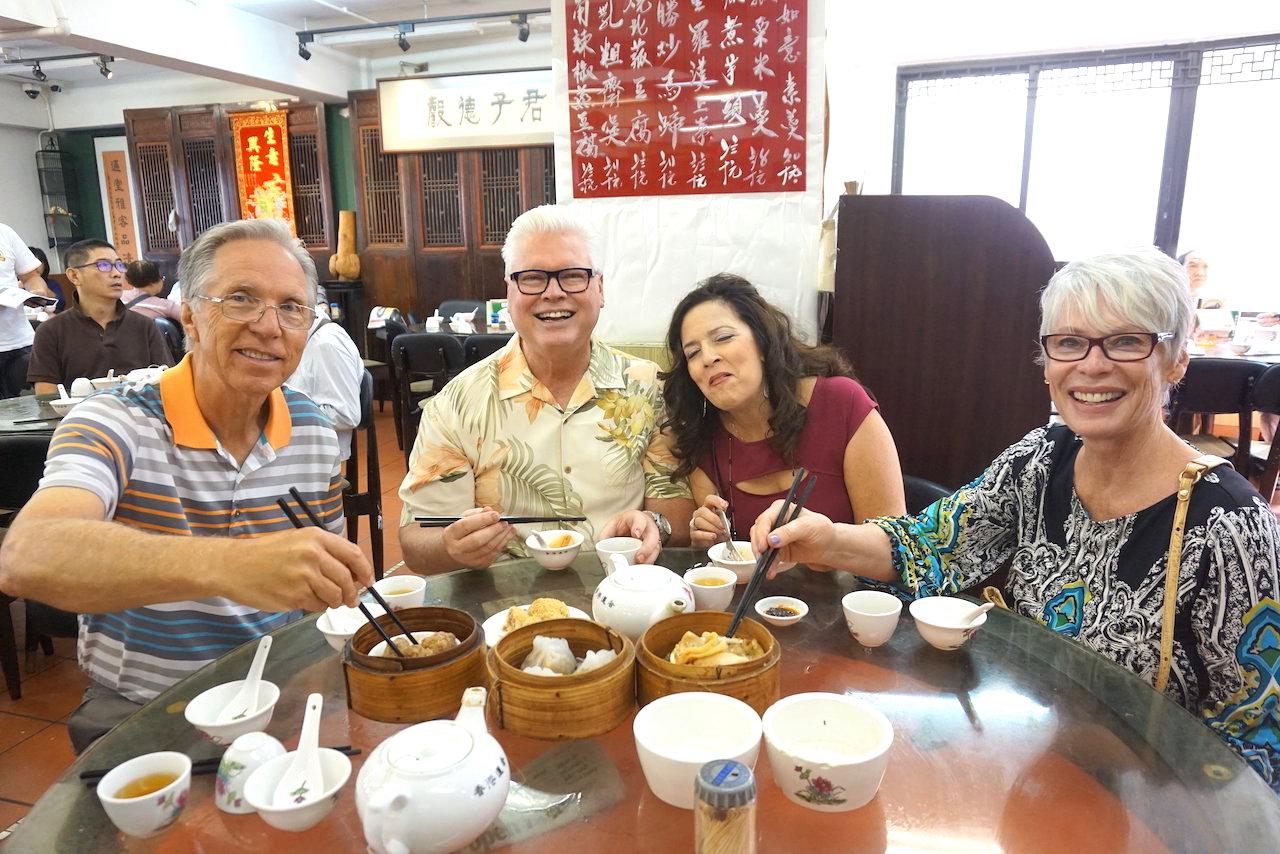 hello-hong-kong-food-tour-visitors4.jpeg