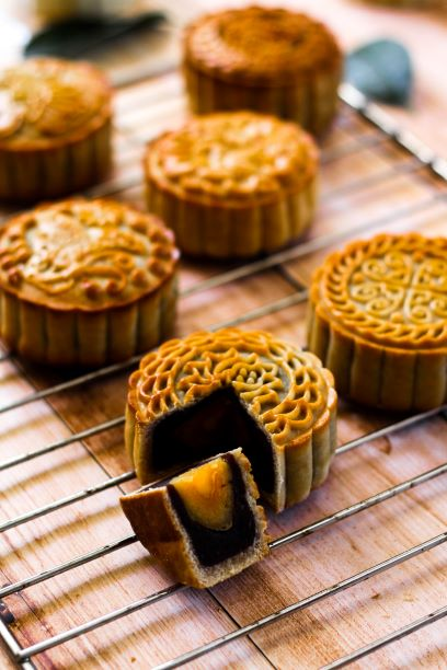 Learn about the moon cake tradition with Hello Hong Kong Tours