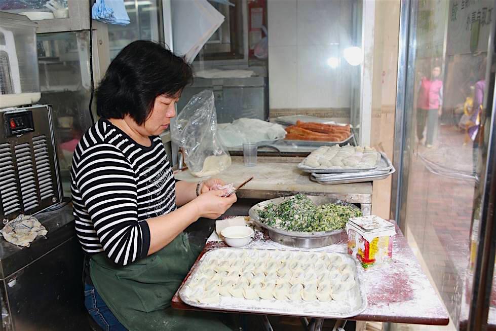 Yuen Fong Dumplings night tour.jpg