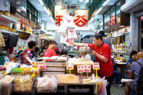 explore kowloon on our Hello Hong Kong foodie tour