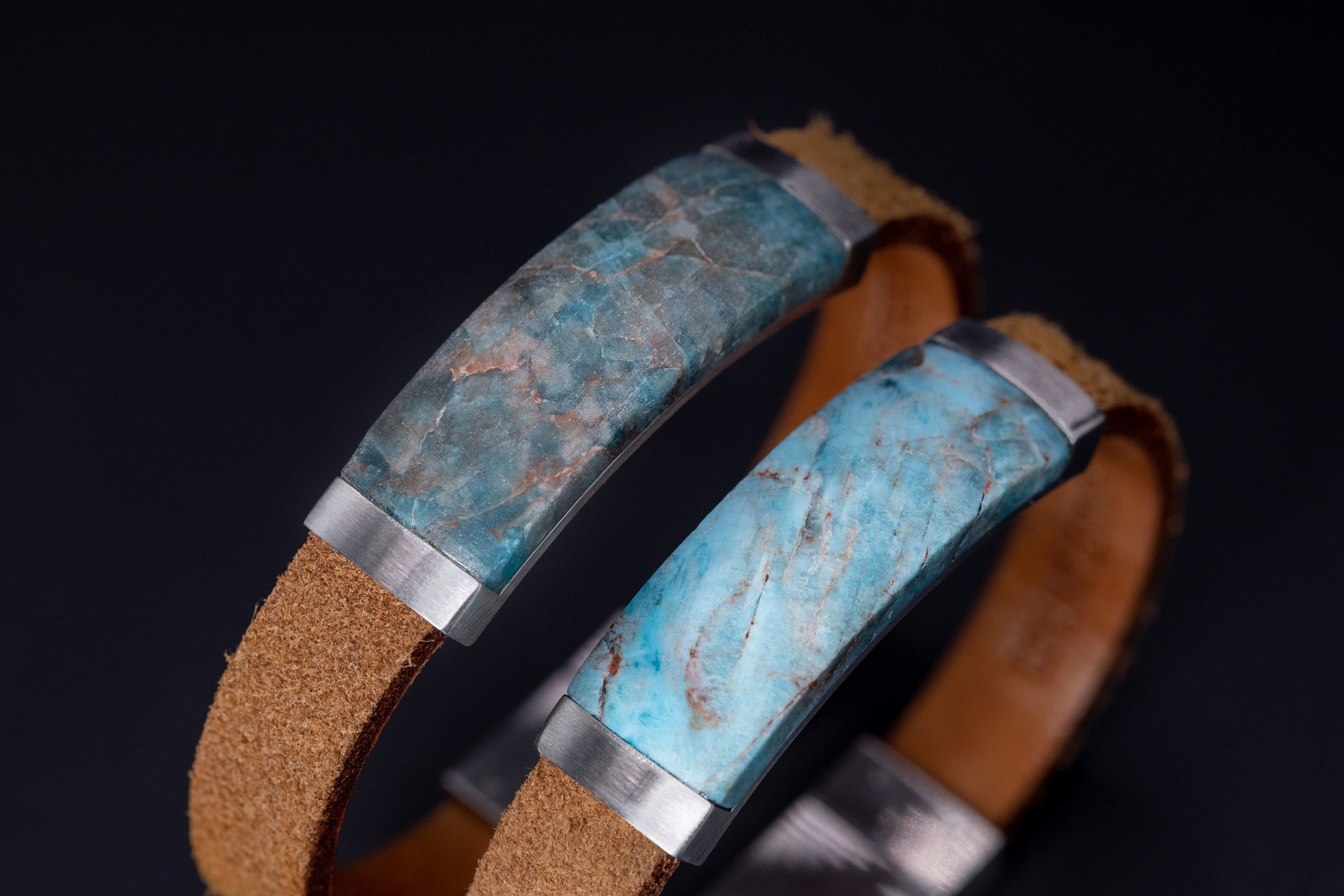 Natural colors - Each bracelet holds a different piece of mother Earth. This means that each bracelet will vary slightly in color and pattern. This is why we will not sell these bracelets online: the difference between the picture online and the actual bracelet can vary.Want a truly unique piece of natural stone? Make sure to check out our store locator to visit our resellers.