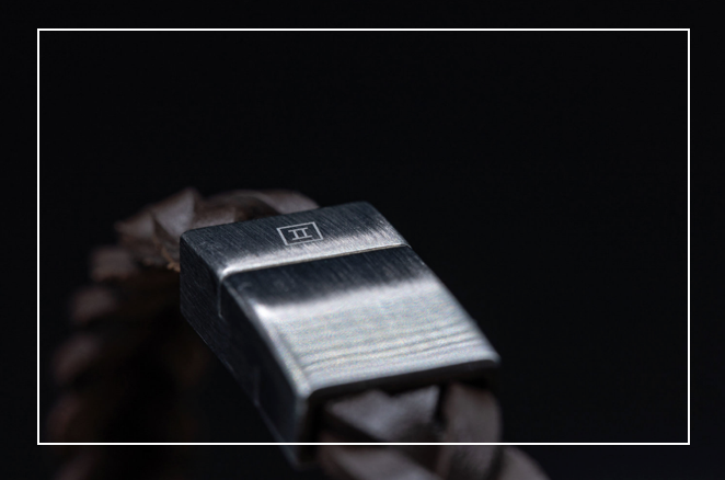 Premium materials - We have selected premium quality locks and leather to hold the stones firmly around your wrist.Most of the bracelets are available in sizes Small-Medium (19-20cm wrist circumference) and some bracelets have adjustable straps.