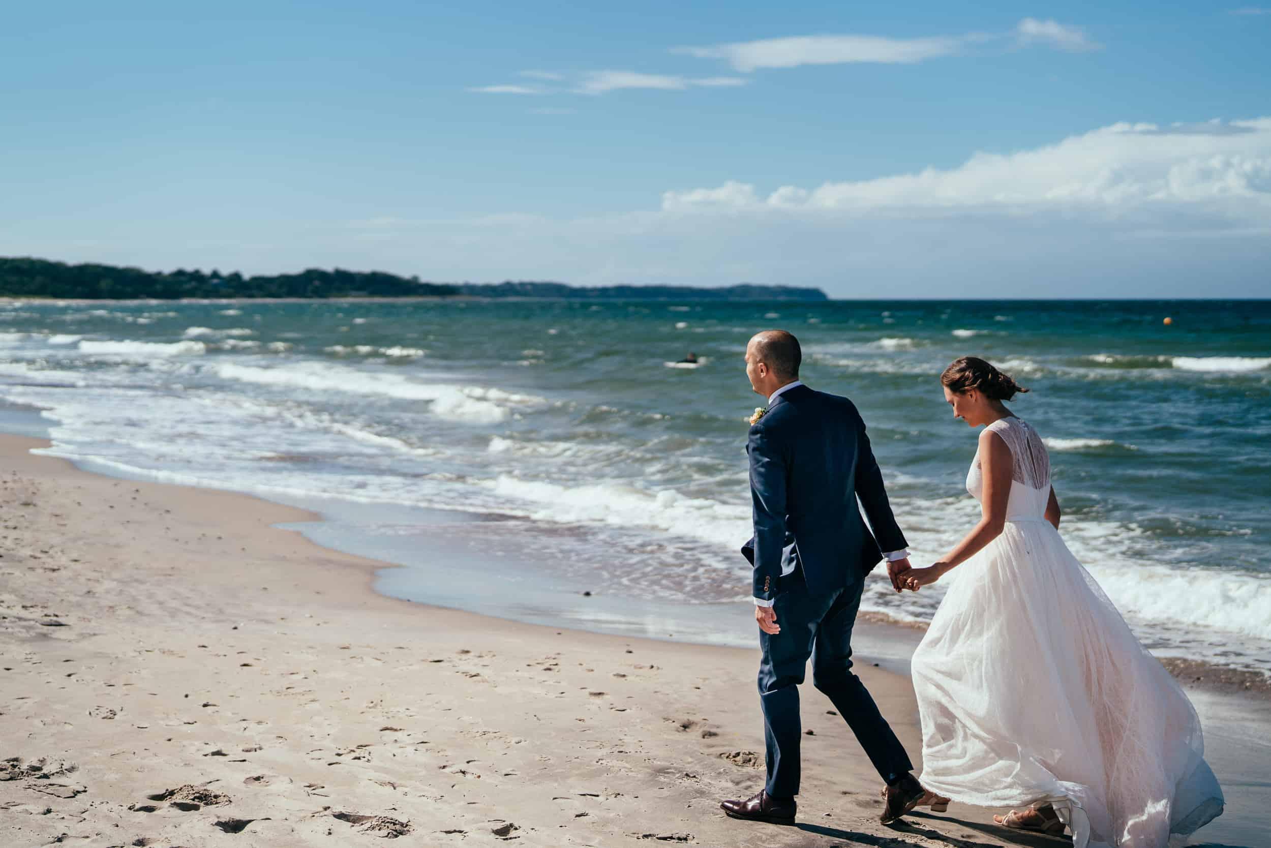 bryllupsbillede-ved-havet-i-Hornbæk.jpg