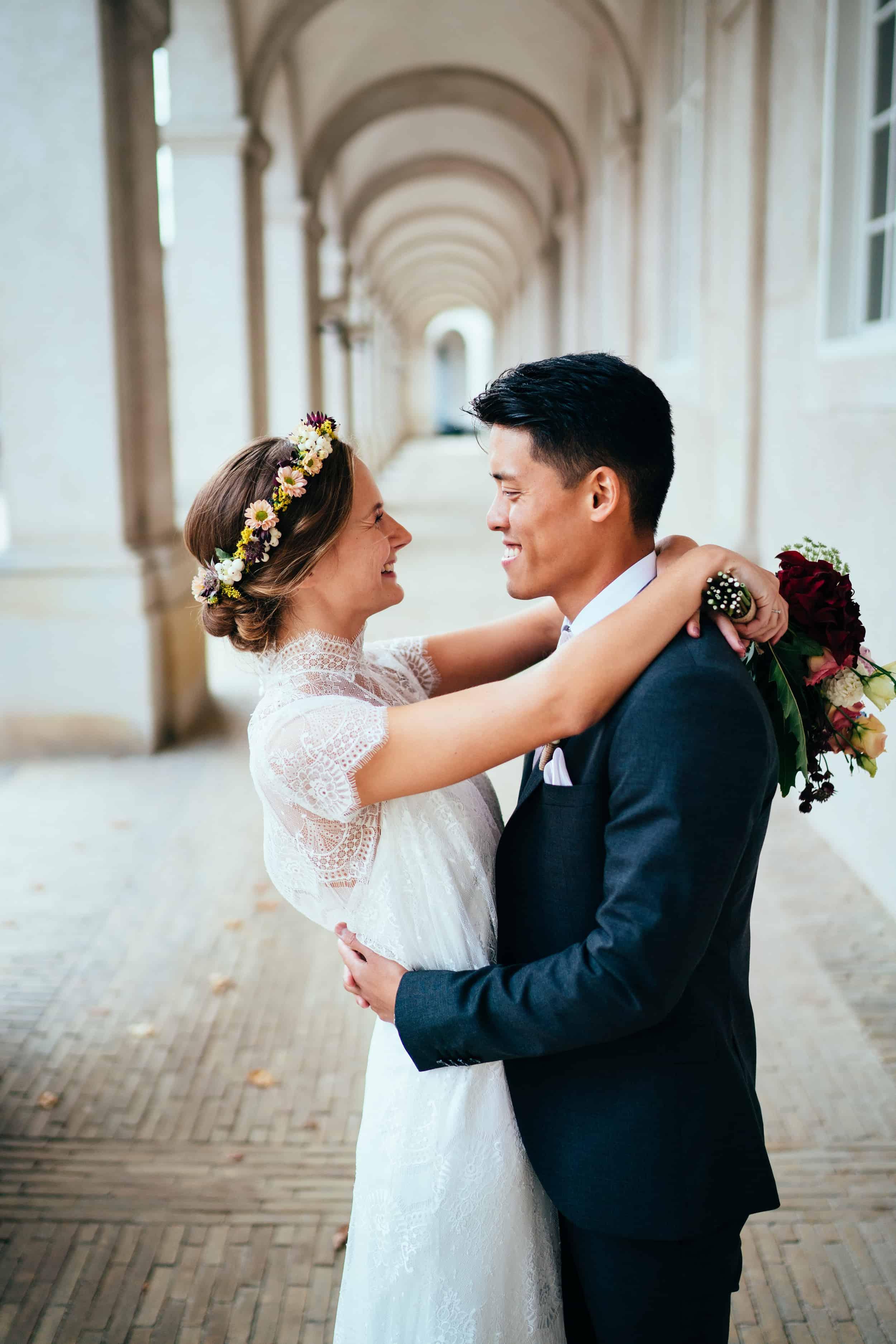 brudepar-ved-ridebanerne.jpg