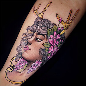 Voorbeeld van een new school tattoo gezet door Molly