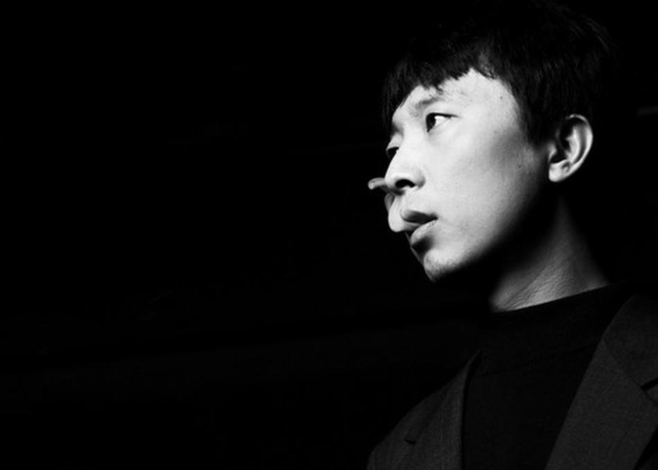 SHAO - Shao Yanpeng aka Shao, previously known under the moniker Dead J, is one of China's leading electronic artists.His first album Mental Imagery was released in 2005 under China's largest independent music label ModernSky, followed by two more albums Mental Magic(2006) and Psychedelic Elephant(2008). Shao was named 'Best Electronic Artist' at the 2007 China Music Media Awards for his album Mental Magic. In 2011,Shao released his fourth album 'Tíng,Tái,Lóu,Gé'.In 2015, he signed legendary techno label Tresor records, joined Tresor ranks as China's first artist, and released new EP Doppler Shift Pt.1.In addition to his personal projects, Shao is also a highly sought-after composer and sound designer. He was invited by Goethe Institute to re-compose the soundtrack for the classic German silent film Metropolis. Shao also has an ongoing cooperation with leading Chinese theater director Meng Jinghui and created many unique compositions for Meng's most popular plays such as Rhinoceros in Love, Soft, To Live, etc. These works have been performed globally more than 3,000 times. The play To Live was performed in the Deutsches Theater in Berlin and Thalia Theater in Hamburg.SXSW日程