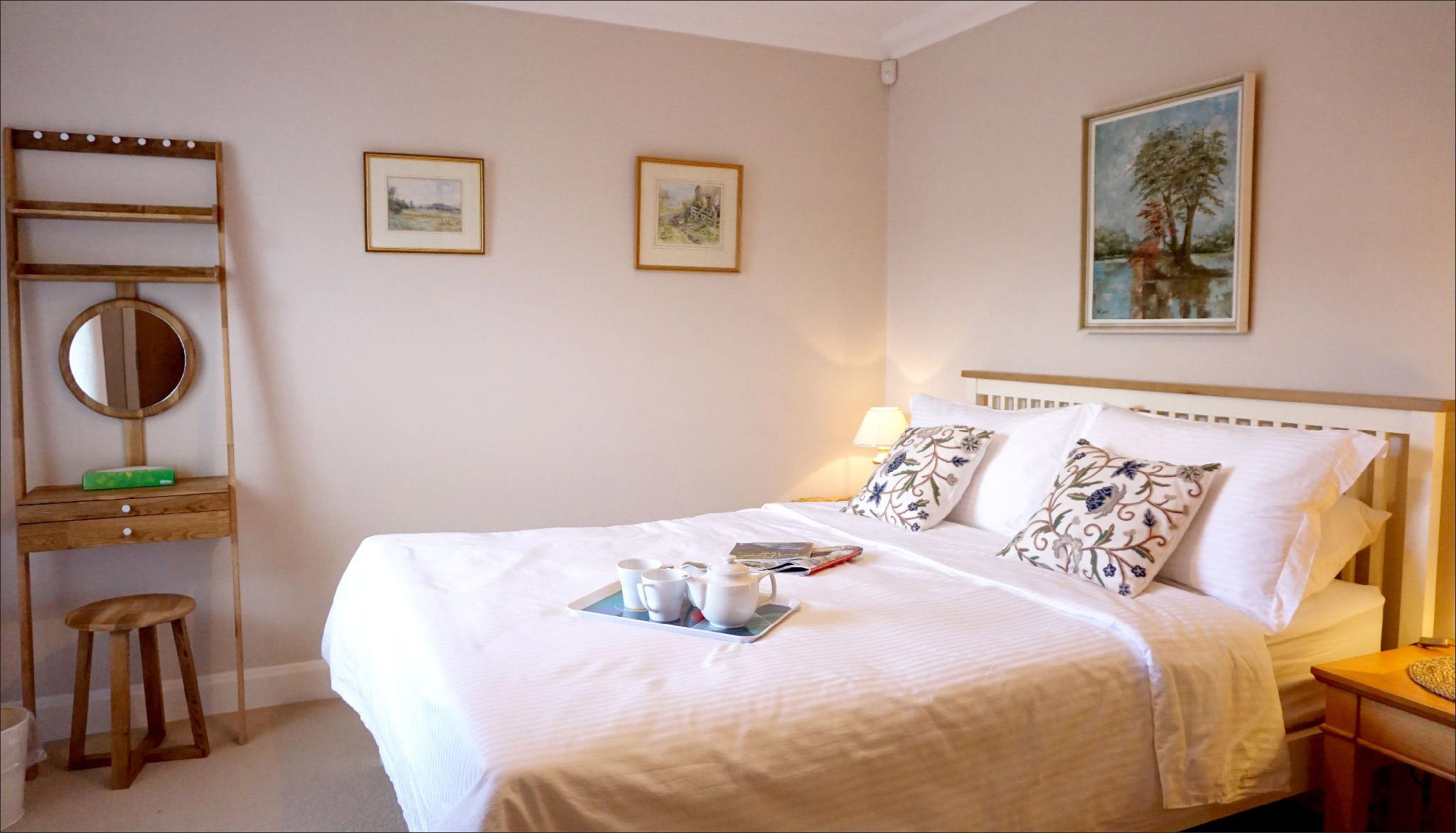 The_Hoolet_Crieff-Bedroom_1-1.jpg