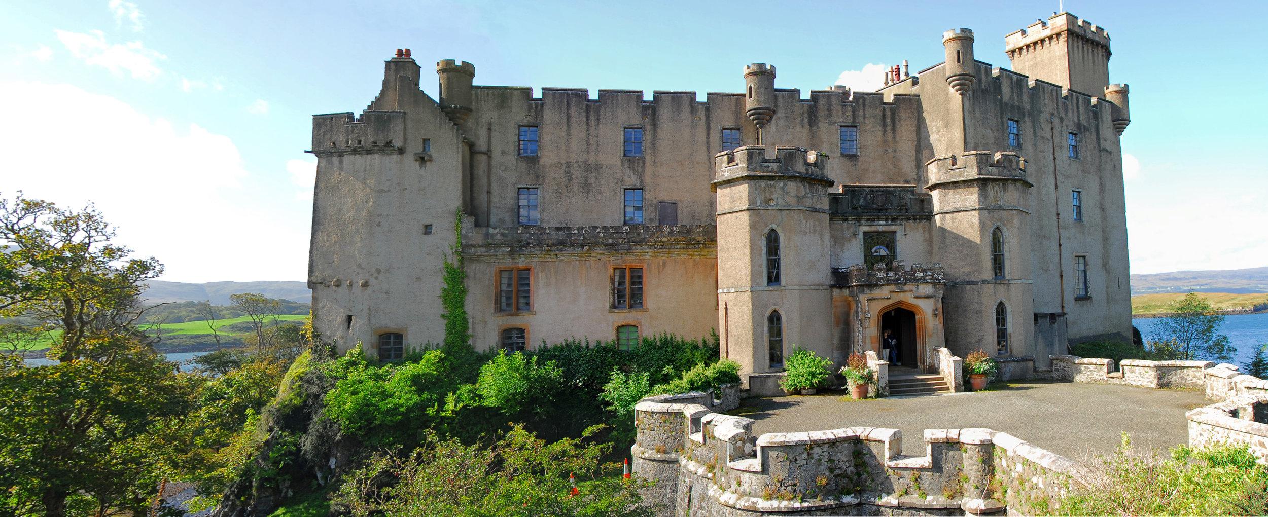 Dunvegan_castle1.jpg