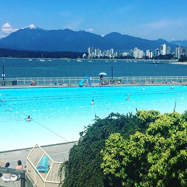 Not a bad setting for my first swim in a very long time! A 137.5m pool - loved it! 🏊🏻‍♀️ . . . . . . . . #swimming #swim #exercise #fitness #outdoorpool #amazingpool #kitsilanopool #kitsilano