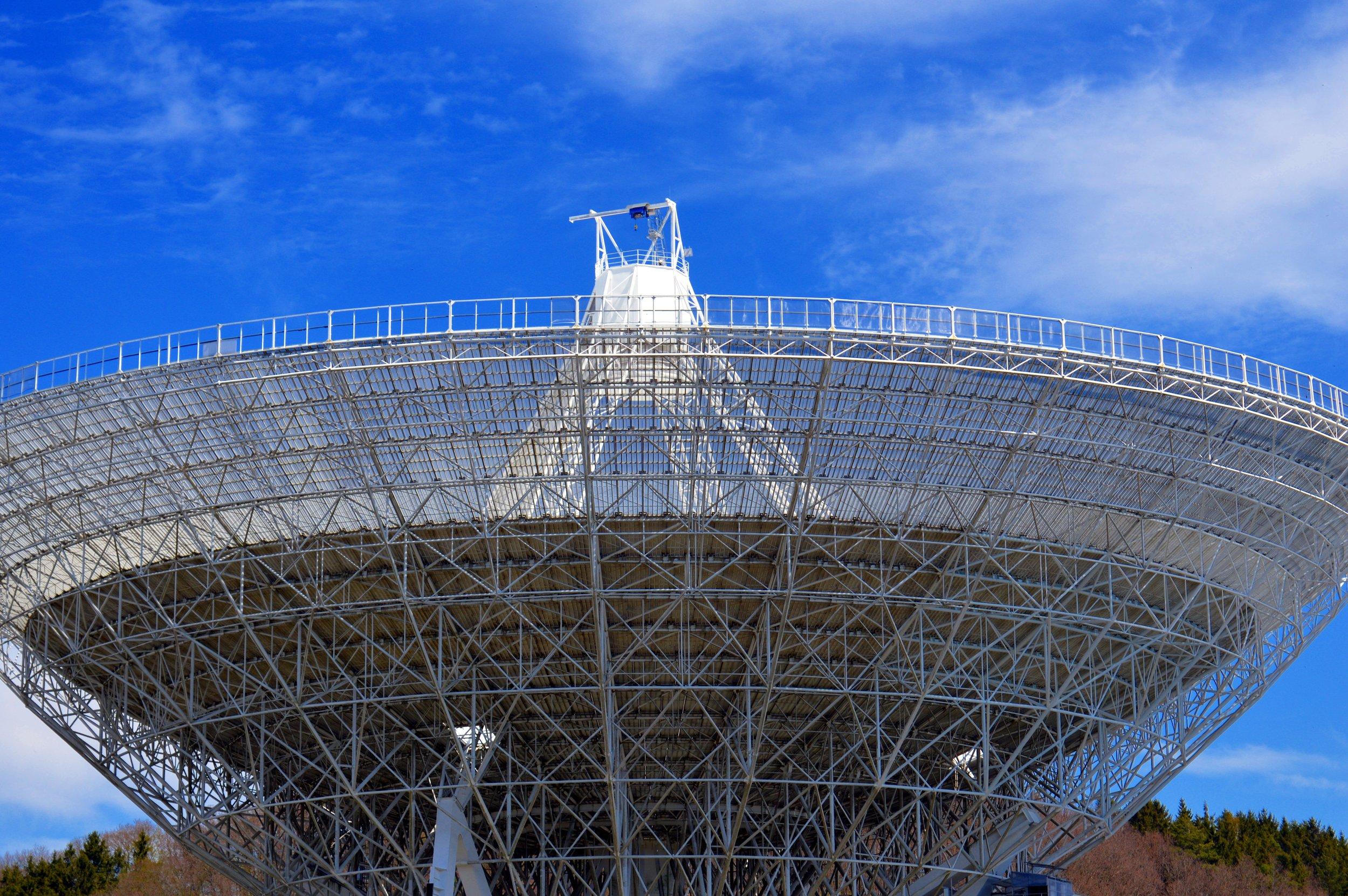 air-broadcast-antenna-architecture-414812.jpg