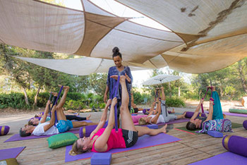 yoga_ibiza_retreat_leg_stretch