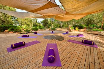 can_amonita_yoga_deck_bolsters