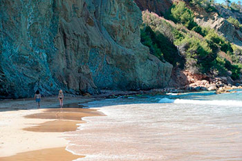 Harmonic_Escapes_Ibiza_Yoga_beach