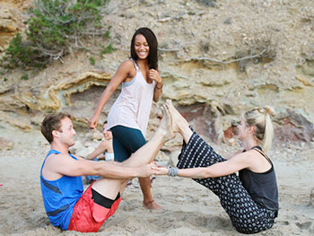Harmonic_Escapes_Ibiza_Yoga_field_beach_partner_yoga
