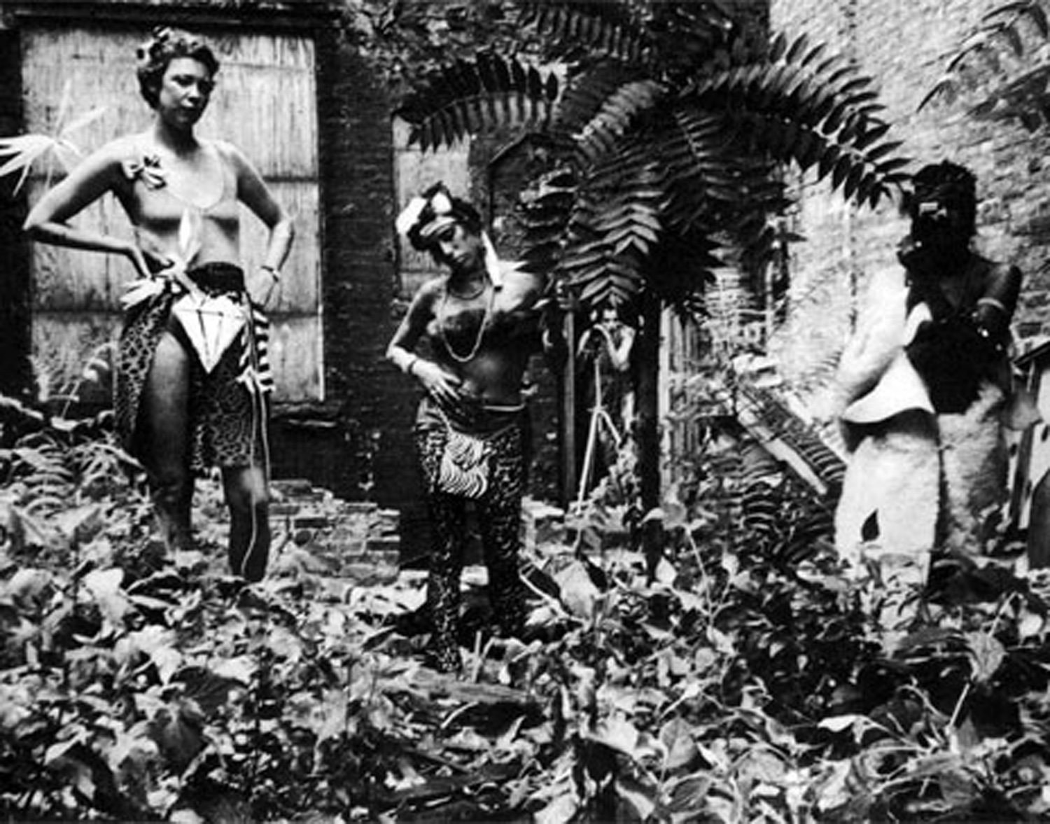 Cave girls in No Rio's backyard. From left, Becky Howland, Judy Ross, Kiki Smith and Marnie Greenholz. Photo by Teri Slotkin