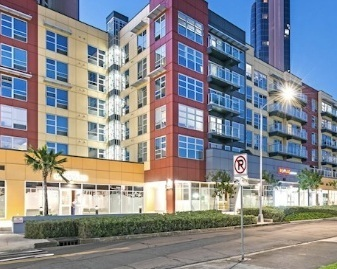 KAKA'AKO - Honolulu's rapidly growing urban epicenter. Entry level to Ultra-Luxury Condos in Honolulu.