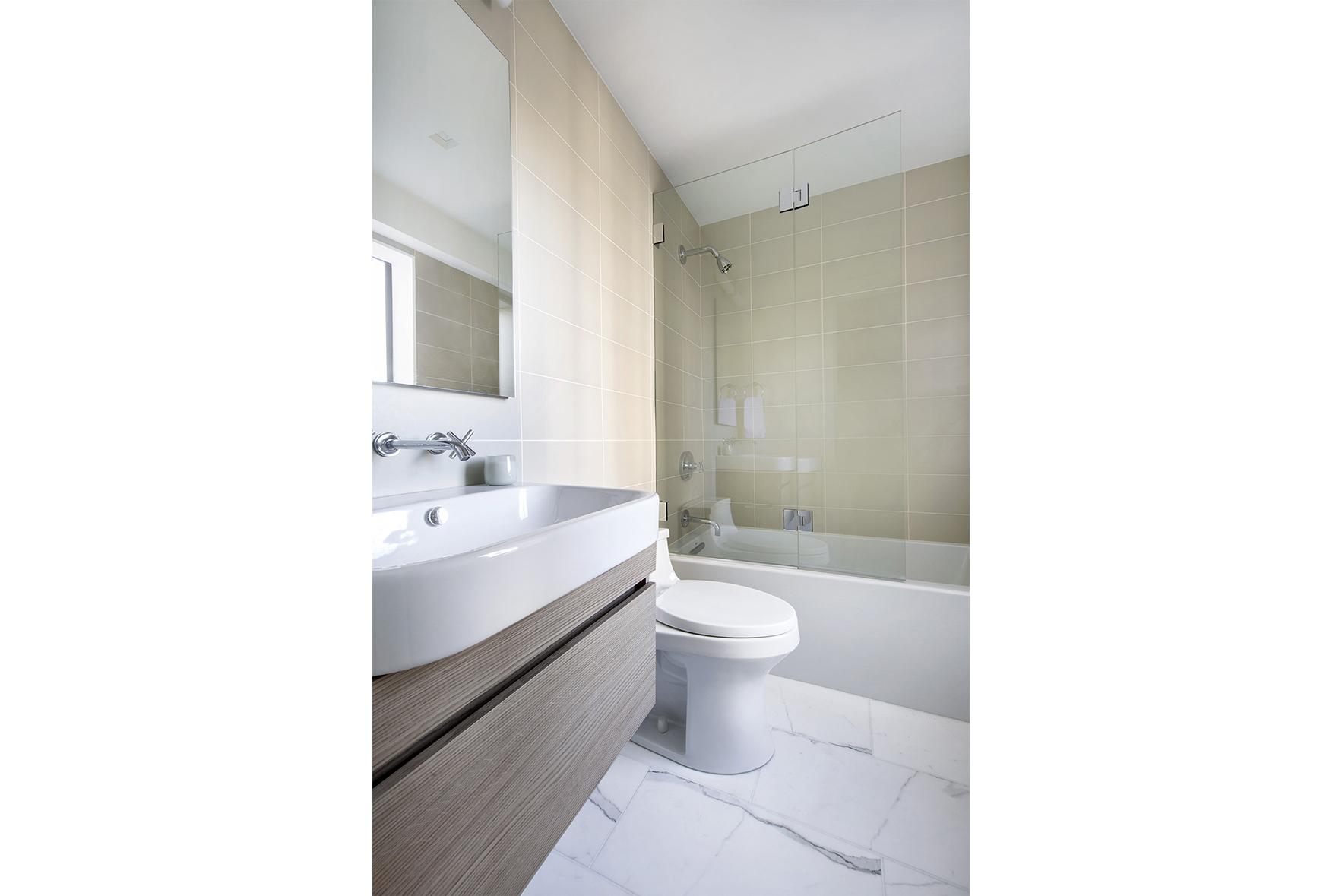 900ParkAve8E - Second Bathroom.jpg