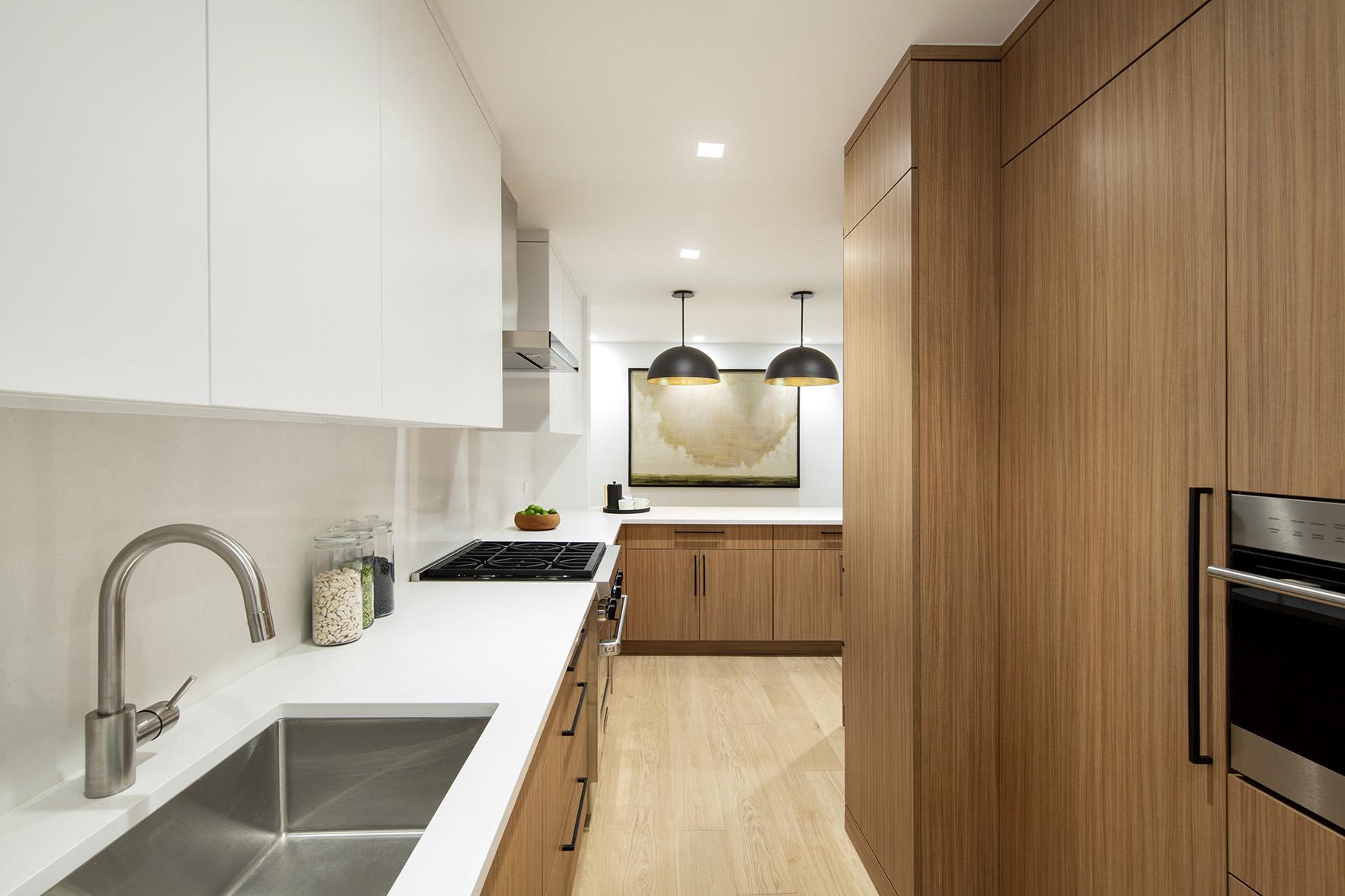 900ParkAve8E - Kitchen.jpg