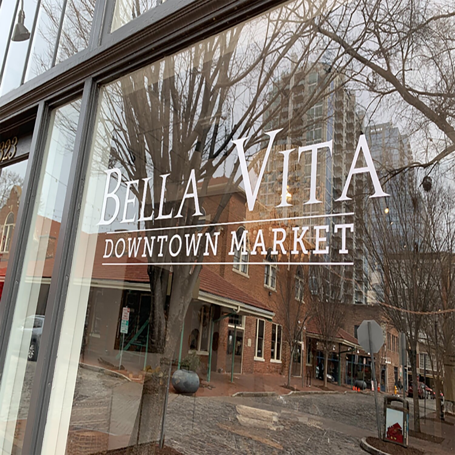 Bella Vita   Earthy, global, minimalist shop offering one of a kind handcrafted home decor, French soap bar, and other unique gifts.   View Website
