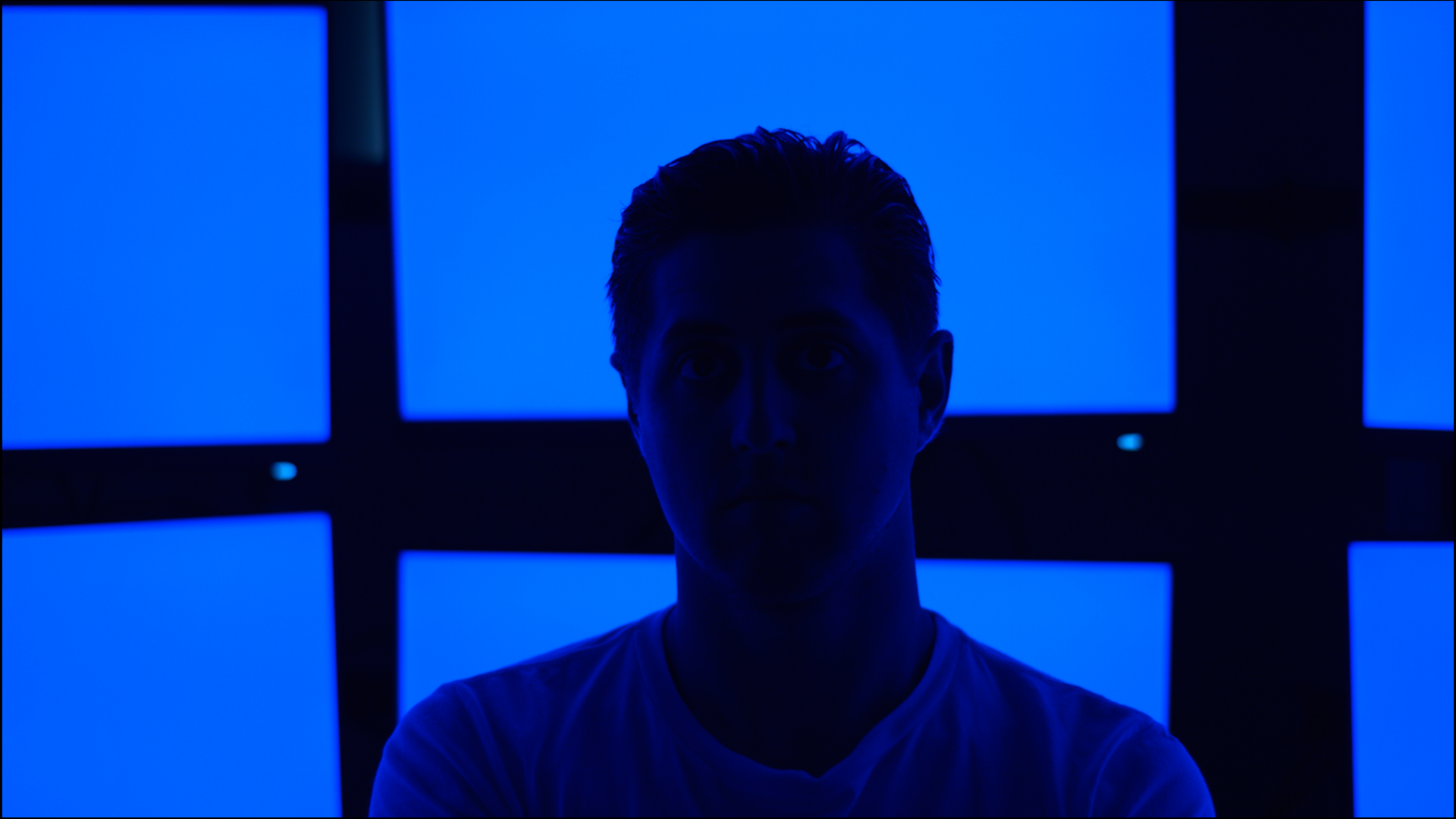 A camera test with a random dude with small hair. Not in movie. Will hide on/off lights. Writing like this now.
