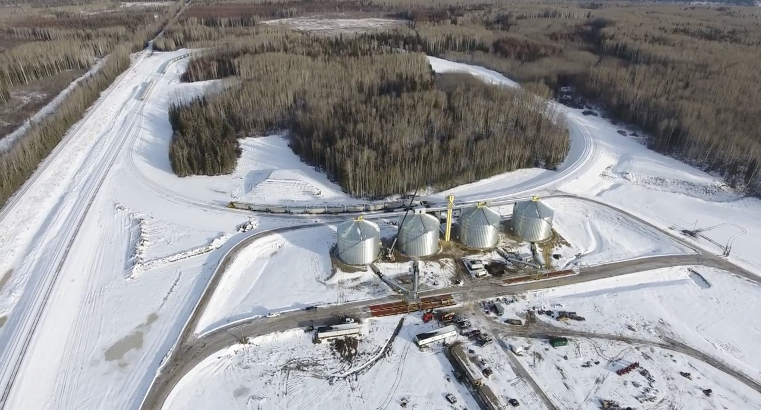 Gold Creek Facility - Gold Creek, just south of Grande Prairie, is also home to a Wayfinder facility. It has 50,000 metric tonnes of storage and track space for over 200 railcars. This site is jointly operated with Bailly's Transport and provides unparalleled access to the South Montney.