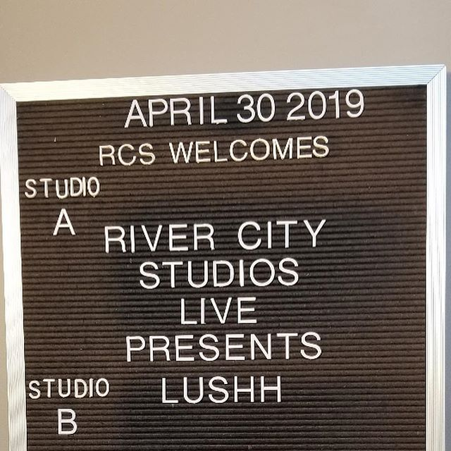 TONIGHT!!! We go LIVE with @d_cosby89 at @rivercitystudios at 7 on Facebook! Tune in! #lushh #lushhband #livestream #livemusic #rivercitystudios #hashtag #jazz #electronicmusic #modernjazz