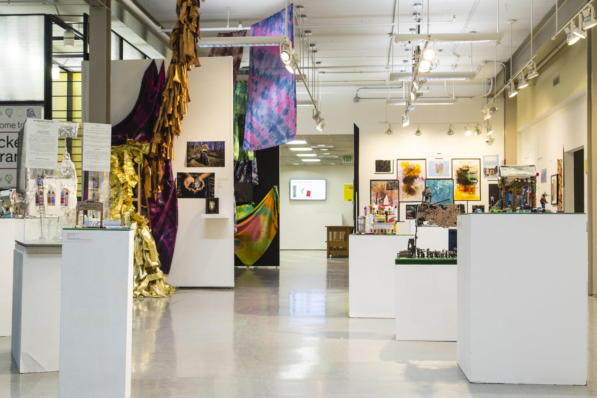 Gradshow_Exhibition3-10.jpg