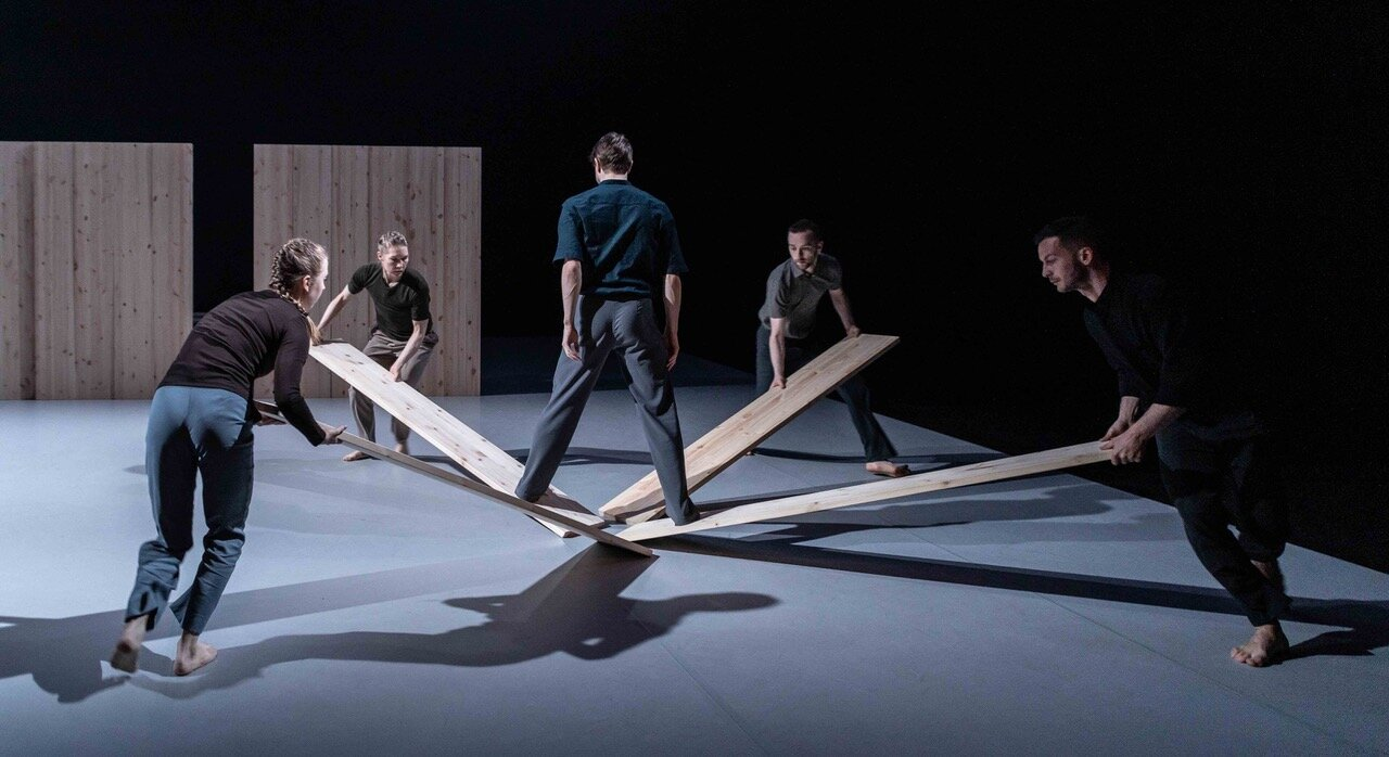 "Skånes Dansteater  in ""The Longest Distance Between Two Points"""