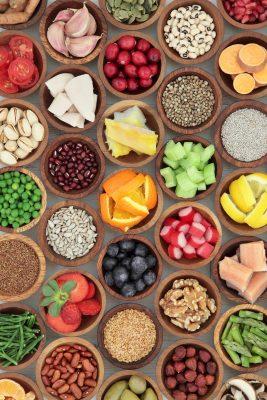 Super-Food-Diet-Selection-000093418851_XXXLarge-170120-58827a9eebdee-267x400.jpg