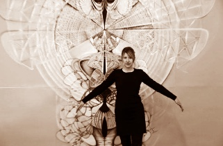 Amy-Myers-in-front-of-art.jpg