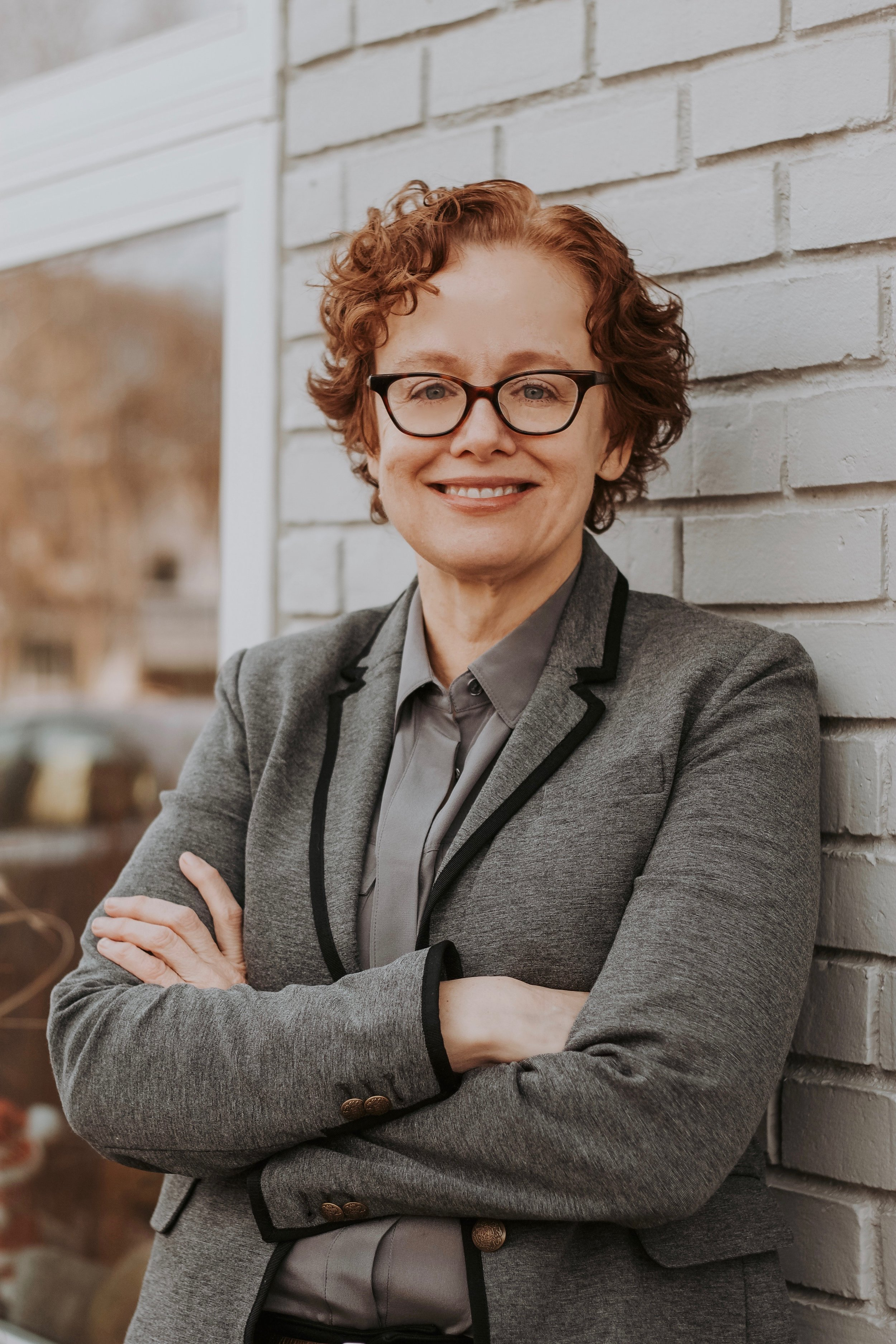 Mary Van Note - Marketing: English degree from fancy-pants Eastern school and enriching Planning Director stints at Fallon and BBDO. Plus several additional advertising posts coast-to-coast that are too tedious to mention here.Life: All the makings of a great G-rated movie, including a sassy daughter, wacky neighbors and a cat who walks her dog. Add a quirky southern heritage, a sometimes problematic passion for handbags, and a knack for storytelling and you've got Mary, a girl with hair too curly for her own good.