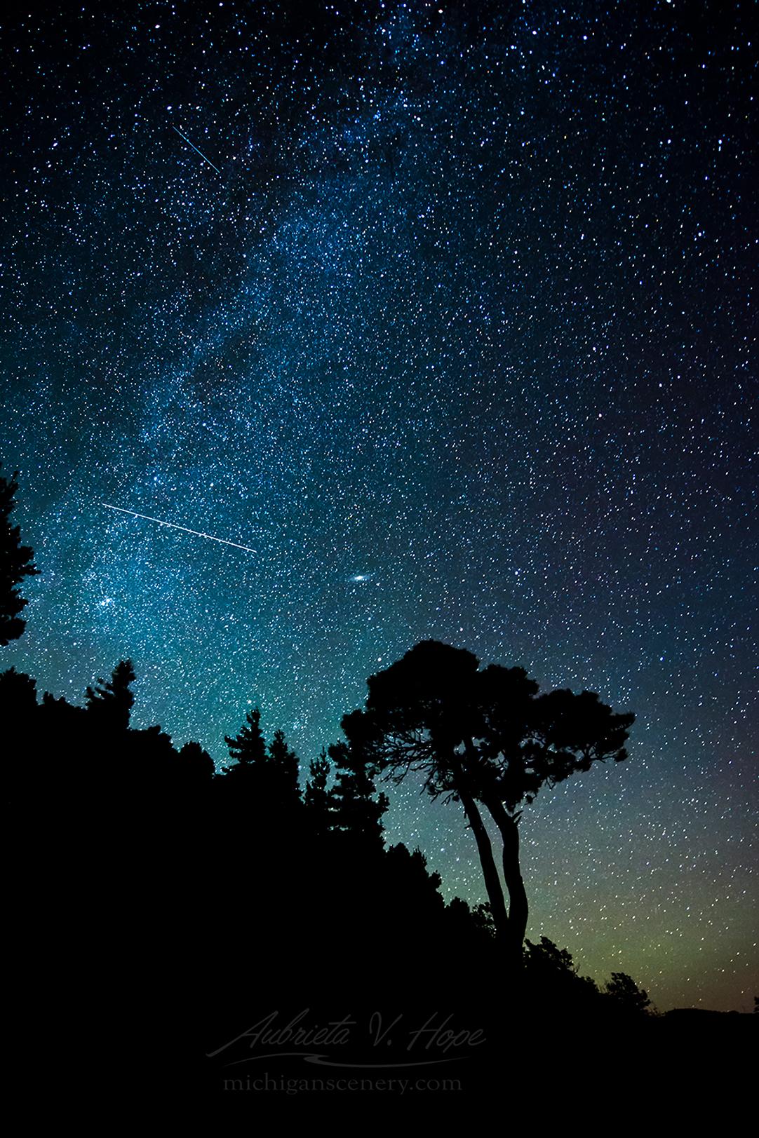 MI15-0651-7955 Milky Way with Meteors by Aubrieta V Hope Michigan Scenery.jpg
