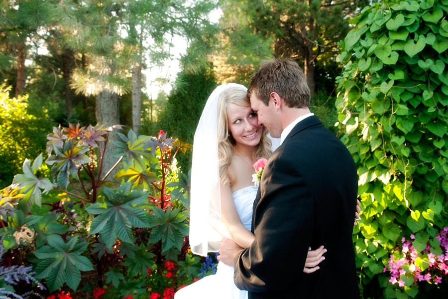 Cheyenne-Botanic-Gardens-Wedding-Photographer-2.jpg