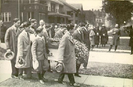 1924-05-xx_franks_funeral.jpg