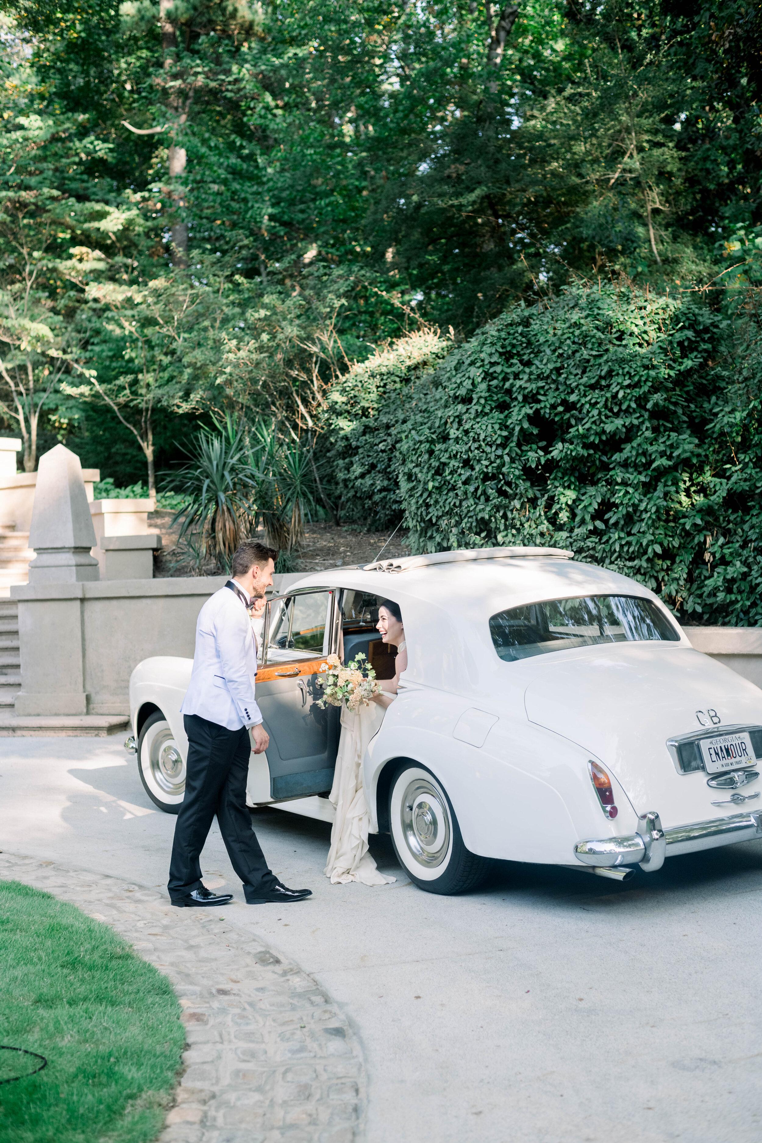 fine art wedding, Atlanta wedding, swan house wedding, modern wedding, rolls Royce wedding, swan house, high neck wedding dress, white tux, vintage car, wedding car