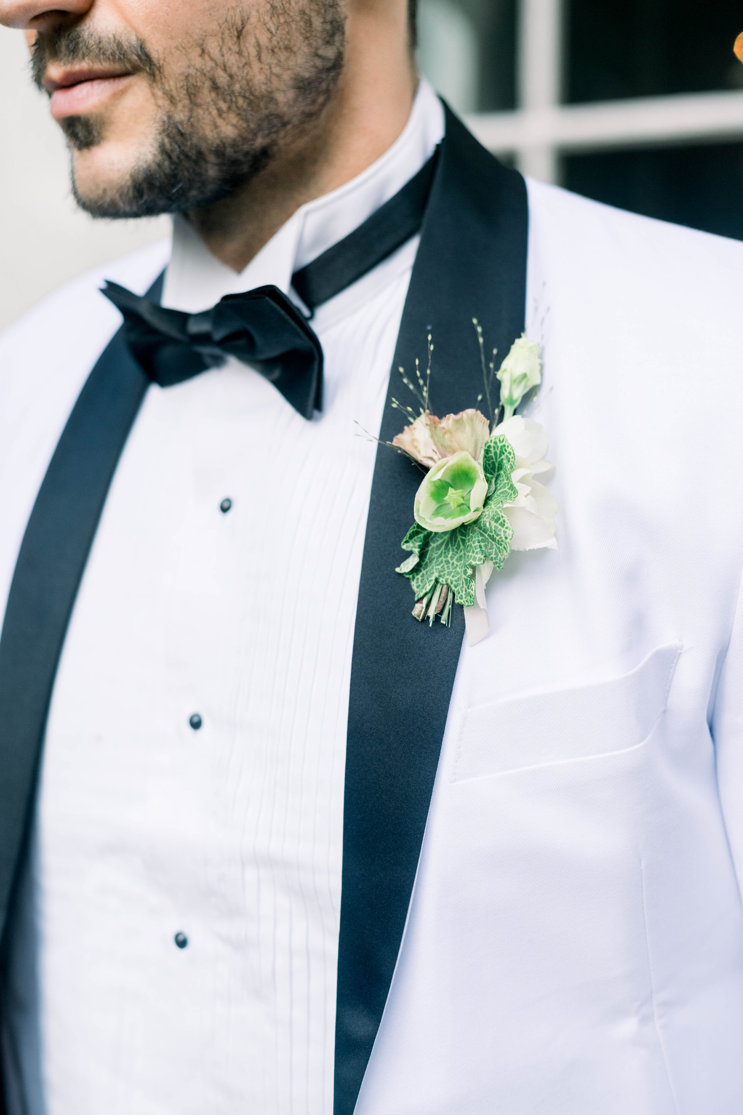 fine art wedding, Atlanta wedding, swan house wedding, modern wedding, rolls Royce wedding, swan house, high neck wedding dress, white tux, boutonnière