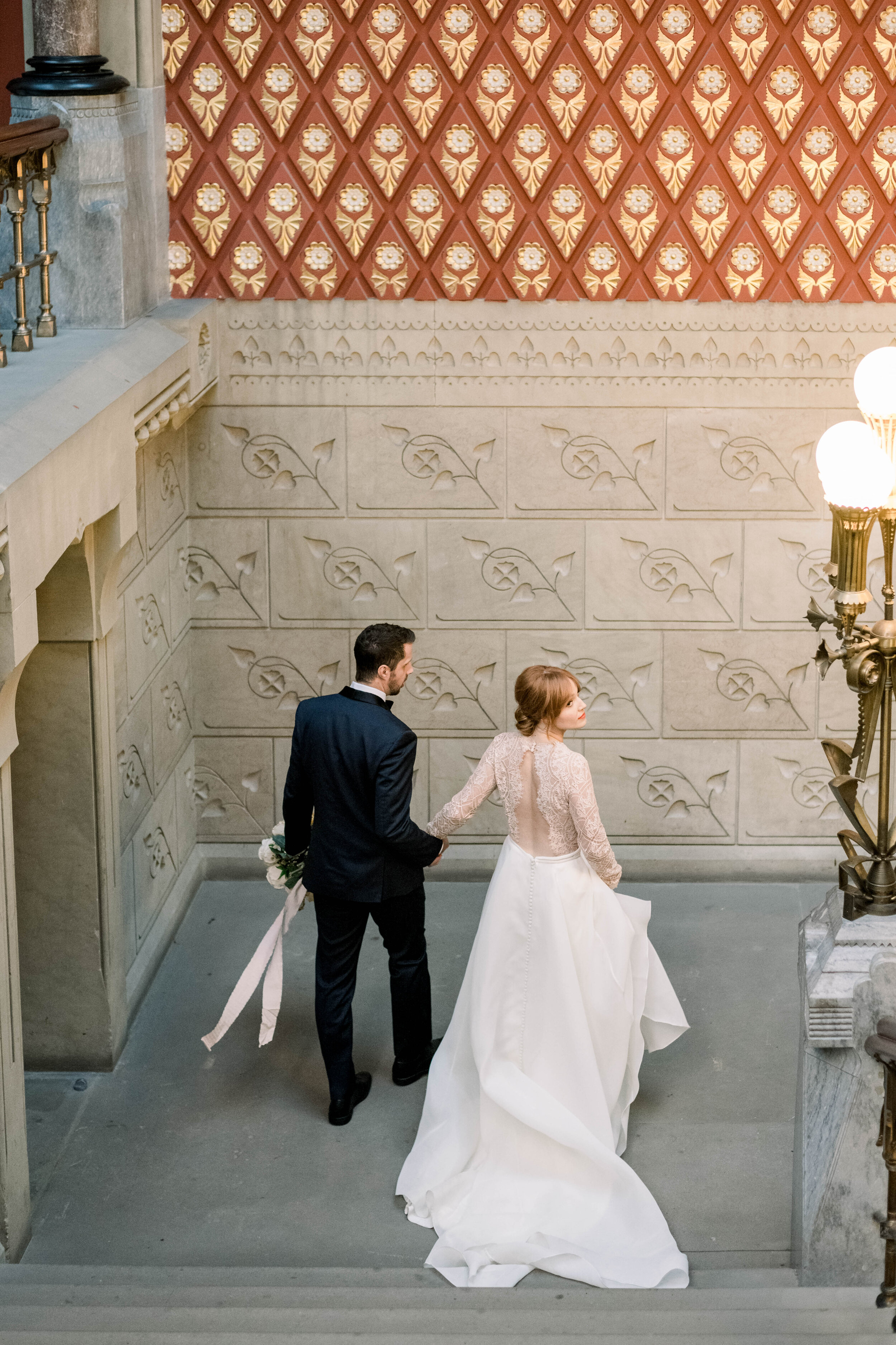 Pennsylvania academy of the arts+pafa+pafa weddings+philly wedding+fall wedding+modern yet timeless wedding+museum+photo