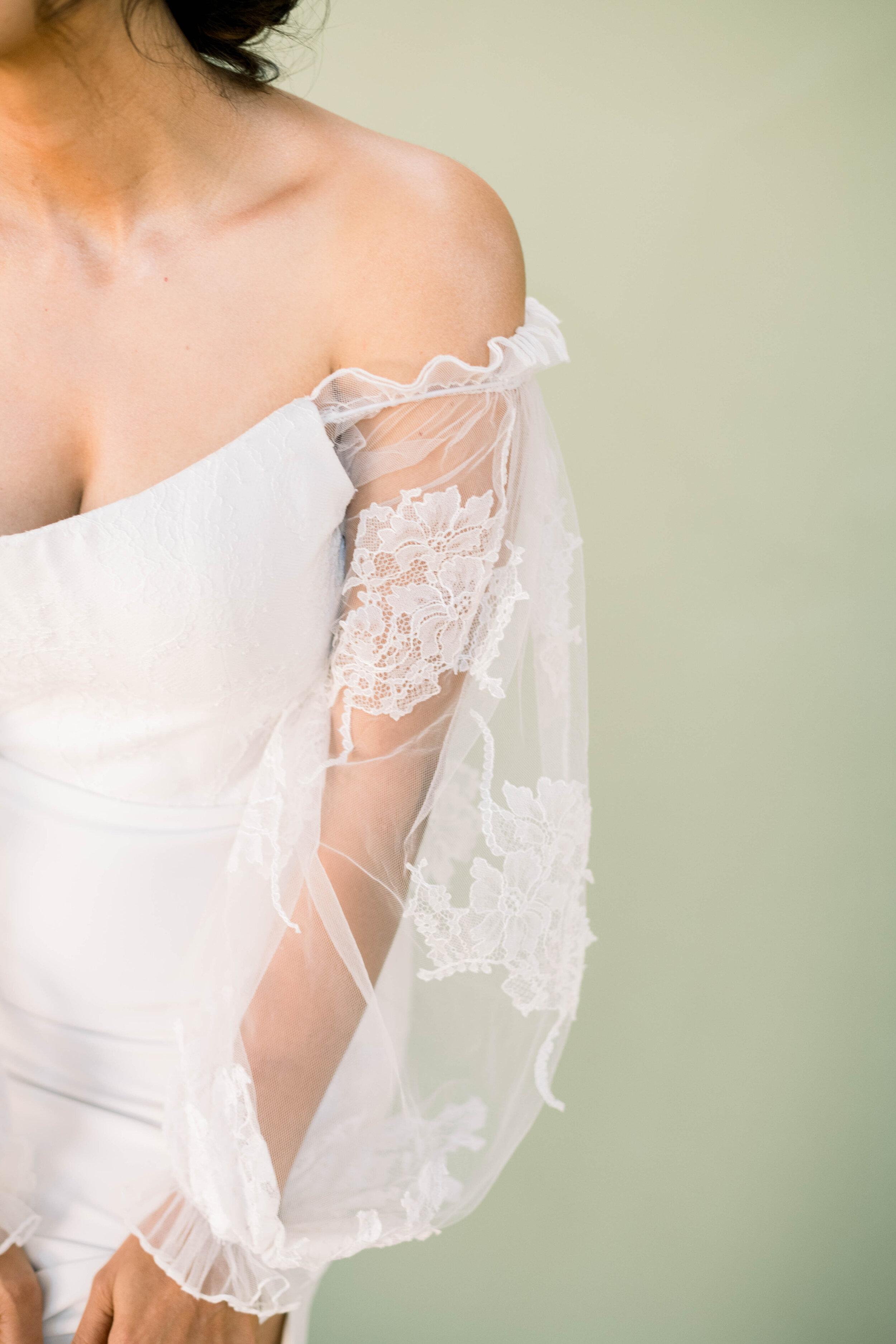 bridal portraits+high fashion+couture bridal gown+alonlivne+vera wang wedding dress+nyc bride+bridal shoot+bridal editorial+photo