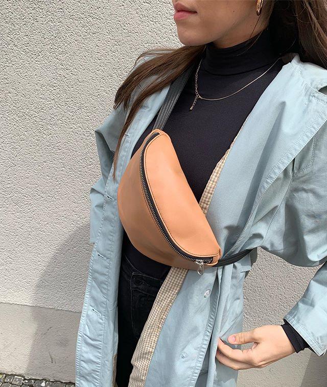 Biscotto. The best @olivenleder #gürteltasche #bauchtasche #fannypack #hipbag #leather #littlebag #leder #handmadeingermany #madeingermany #madeinmunich #accessories #design #style #olivenleder #bags #fair #90s #streetstyle #fairfashion #fashiondaily #fashionaddict #minimalism #minimalfashion #unisex #fashion #deutschland #münchen
