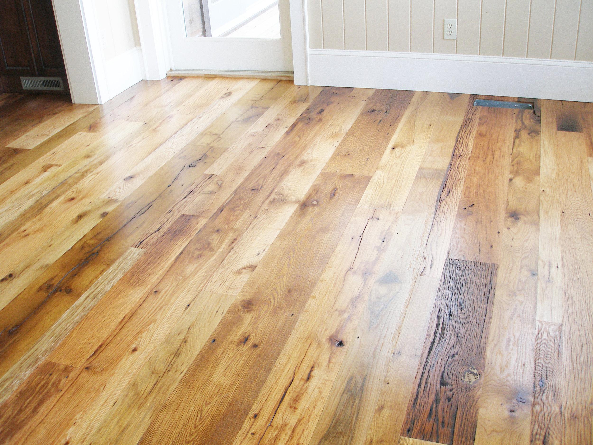 Carolina Style Antique Oak Flooring Random Width