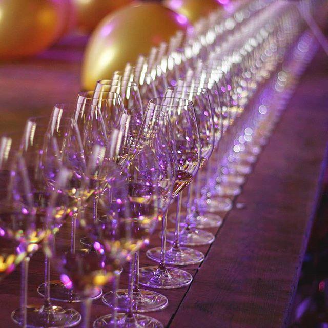 🥂✨ . . . . . . #riedel#riedelglass#winetasting#wineglass#champagne#winelovers